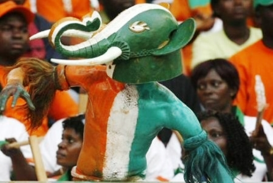 http://eburnietoday.mondoblog.org/files/2011/10/ivory_coast_football_supporters.jpg