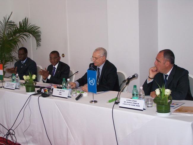 Officiels de l'ONU, de la CEDEAO et de l'Etat de Côte d'Ivoire à la table de séance