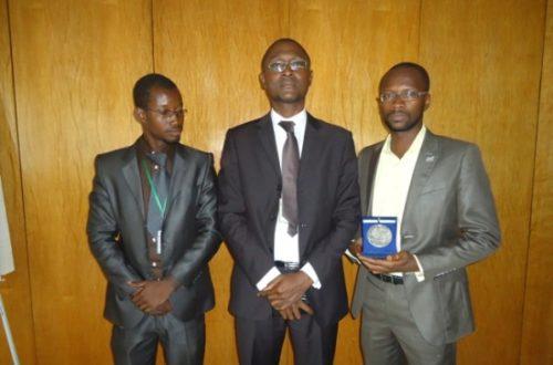 Article : L'APDH prix des droits de l'homme de la République de France