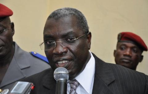 Paul Koffi Koffi le ministre délégué à la défense veille personnellement à l'exécution de cette opération de restitution