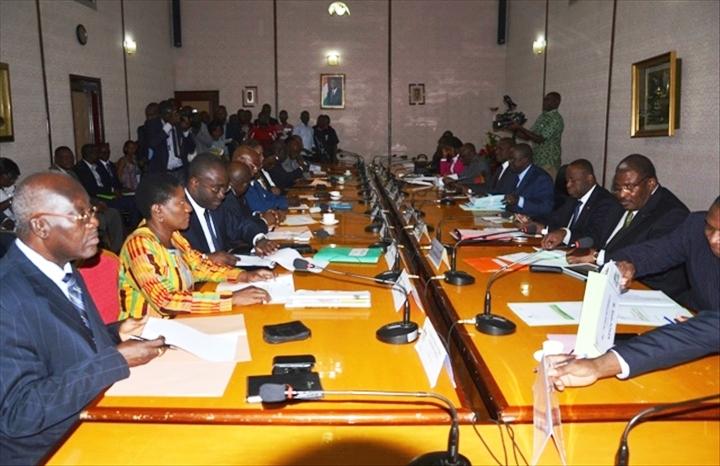 Les partis politiques se sont réunis à la primature pour amorcer le dialogue