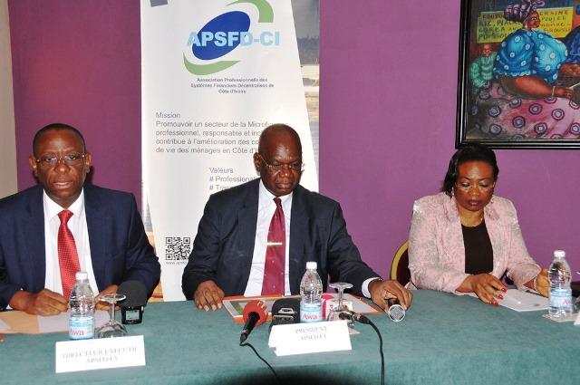 Les premiers responsables de l'APSFD-CI lors de la conférence de presse du 14 avril